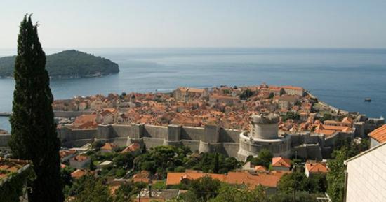 Herceg Novi je grad u Crnoj Gori na obali Jadranskog mora...