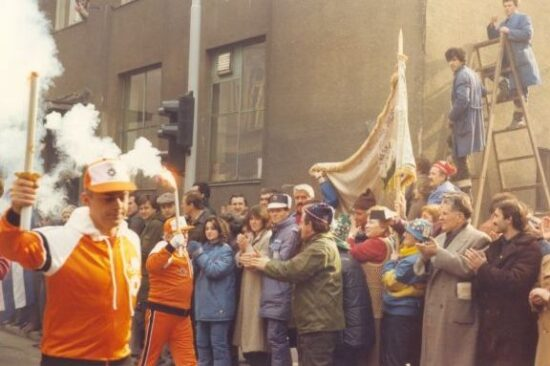 Olimpijski plamen prolazi kroz Jugoslaviju