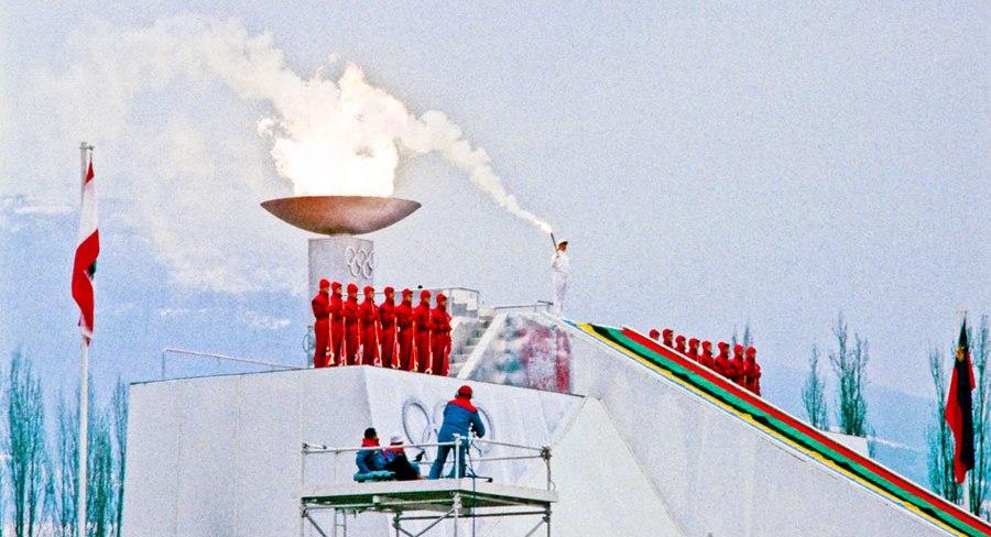 Sanda Dubravčić je zapalila olimpijski plamen u Sarajevu