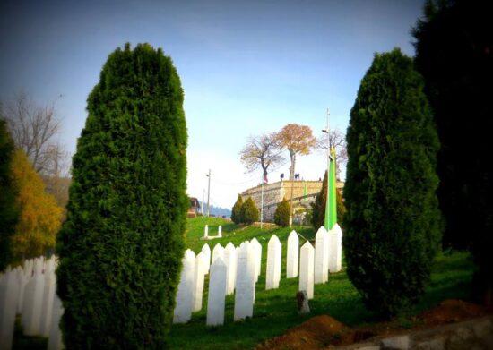 Žuta tabija, pogled iz groblja na Kovačima (Sarajevo, 15. novembar 2015, foto: Mina Ćorić)