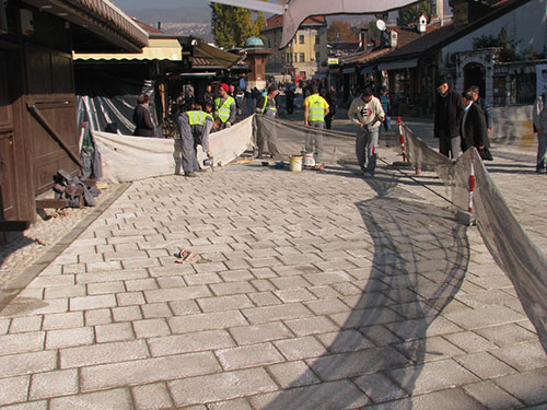 Popločavanje Baščaršijskog trga (Sarajevo, novembar 2015)