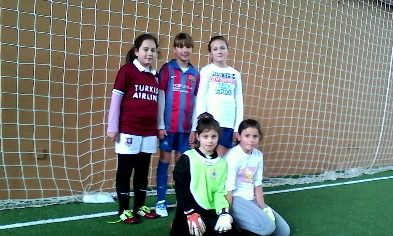 Polaznice Školu fudbala za djevojčice SFK 2000 Sarajevo