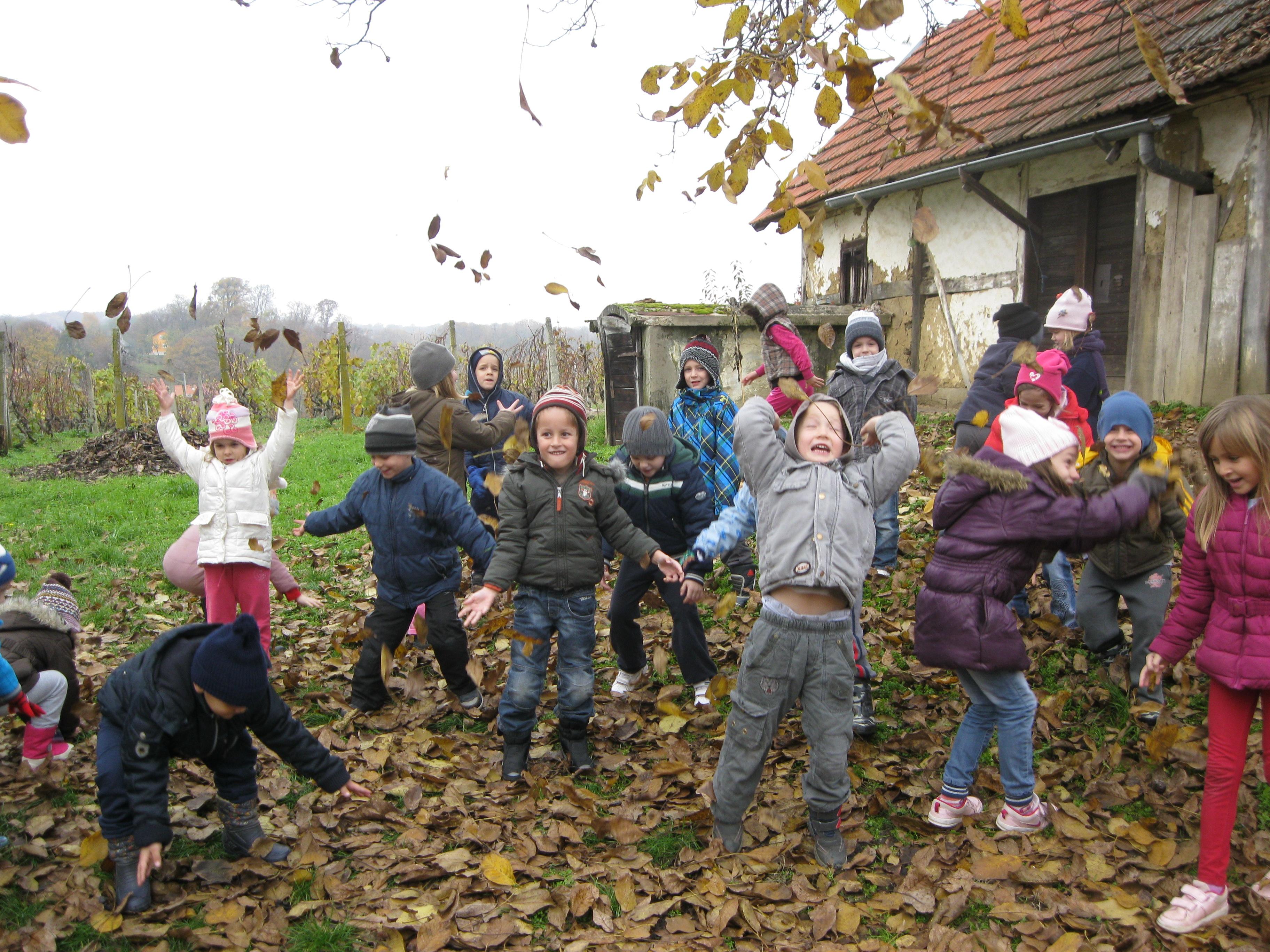 Škola u prirodi dio je redovne nastave učenika razredne nastave.