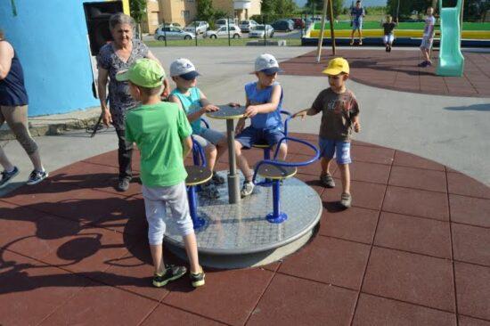 Novo dječije igralište na Dobrinji (Sarajevo, 1. juli 2016)