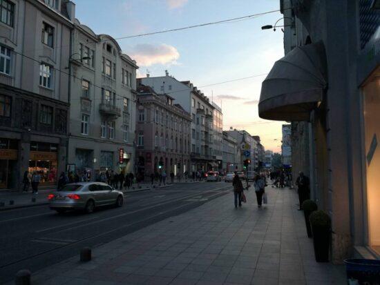 Ulica Maršala Tita preko puta knjižare (Sarajevo, 22. maj 2017, foto: Naser Husic)