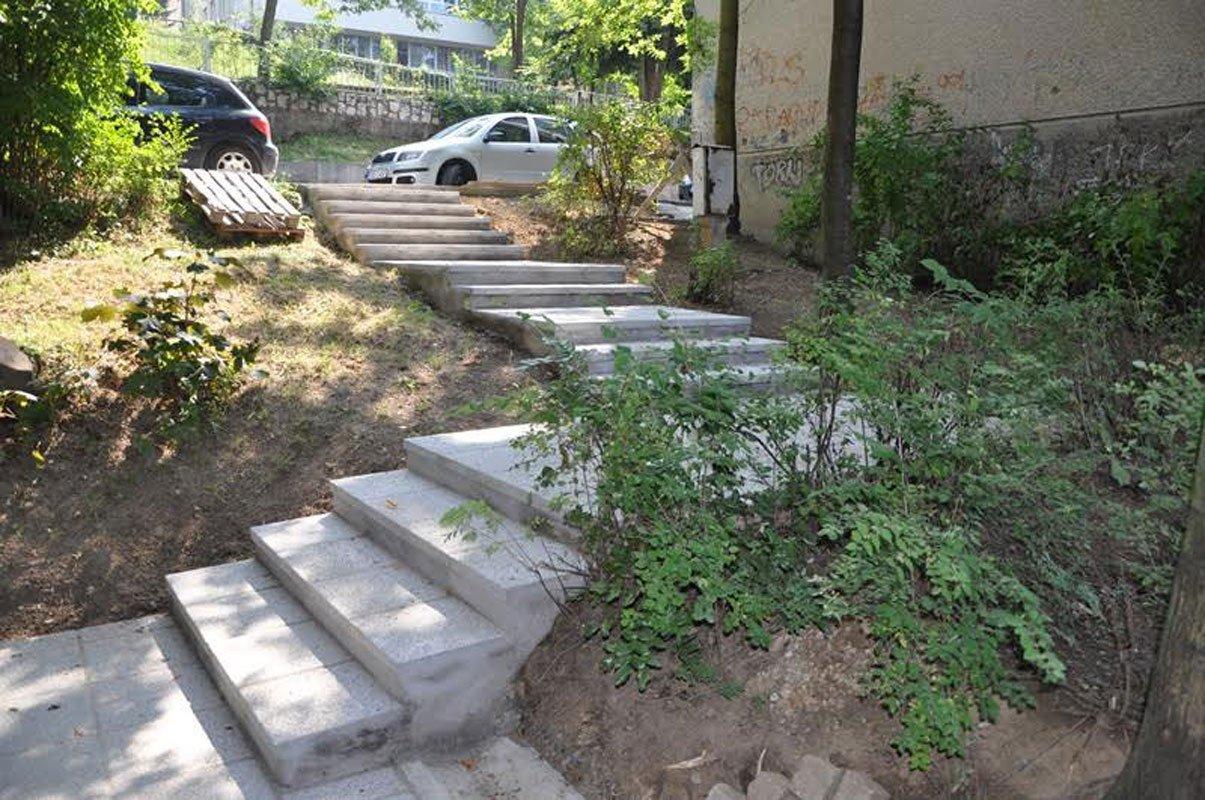 Stepenište u ulici Asima Ferhatović