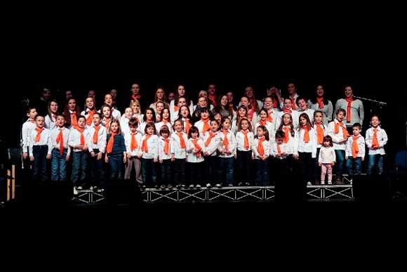 Princess krofne gostuju na koncertu Prljavog kazališta u Sarajevu, 2013. godine