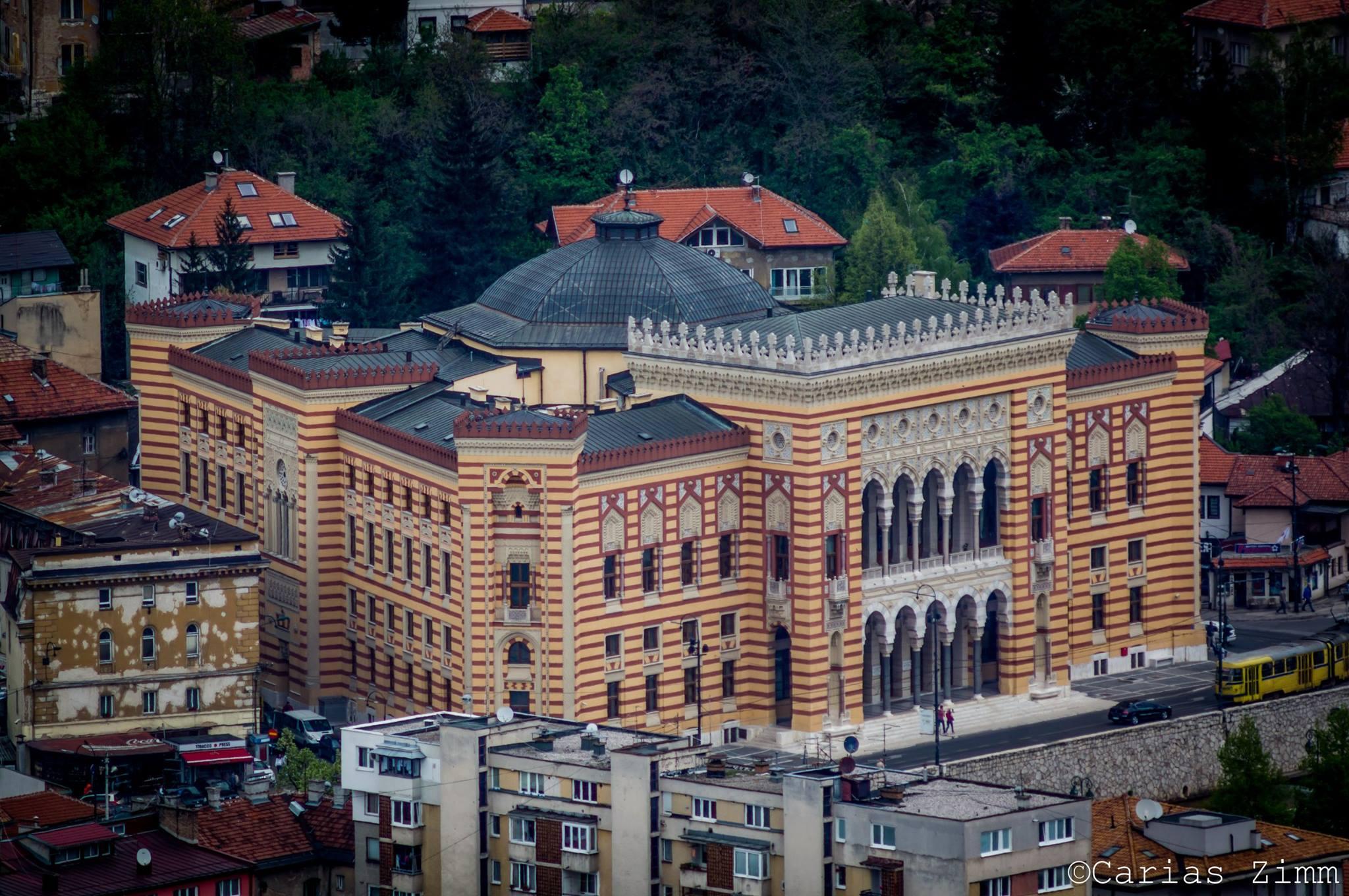 Vijećnica iz drugog ugla (Sarajevo, foto: Carias Zimm)