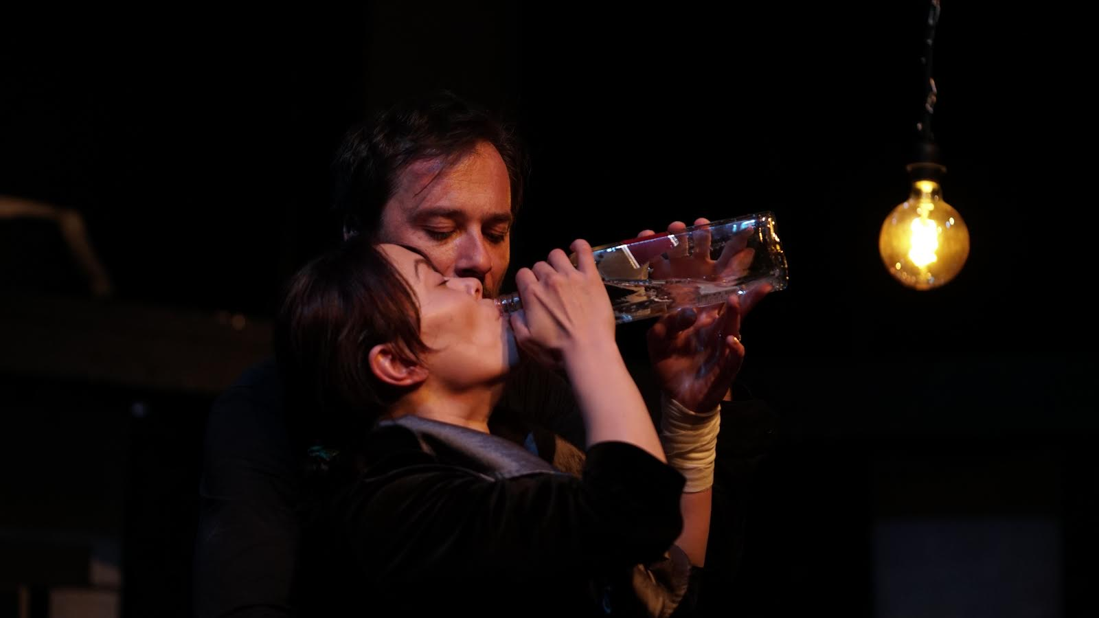 DEMONI (scena iz diplomske predstave Nadine Mičić, Kamerni teatar 55)