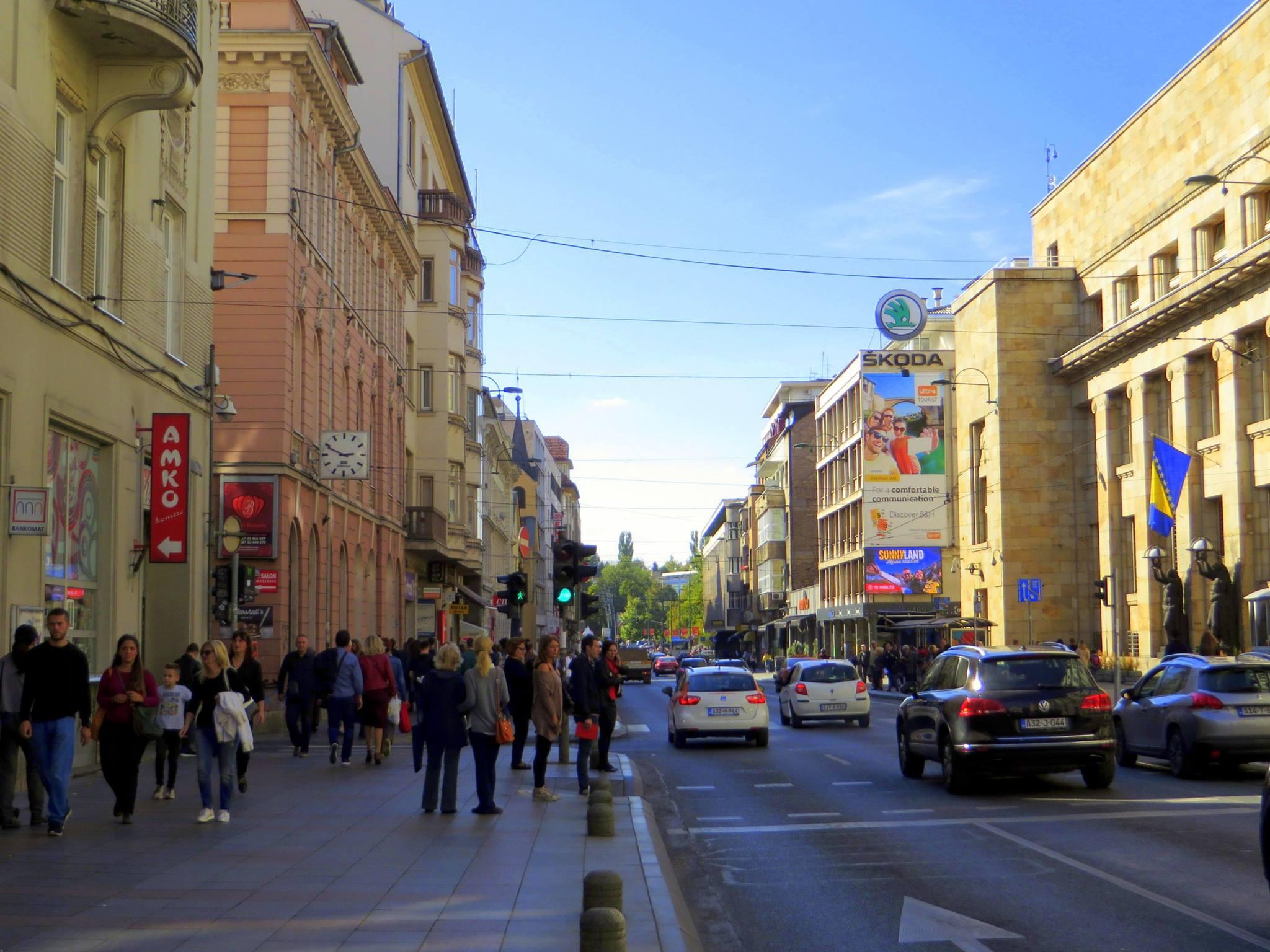 Sunčani četvrtak u Titovoj (Sarajevo, 6. oktobar 2017, foto: Mina Ćorić)