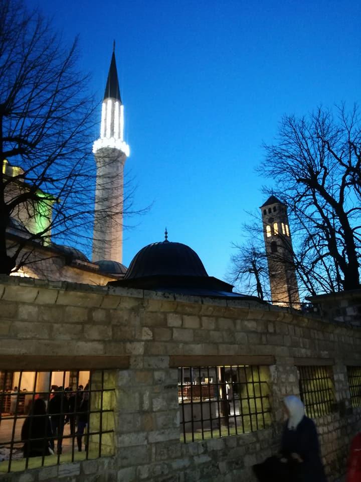 Begova džamija i Sahat-kula (Sarajevo, 28. mart 2018, foto: Naser Husic)